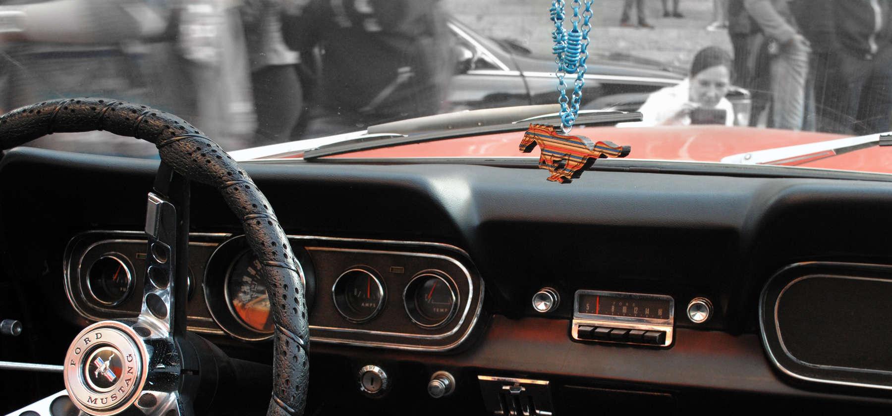 Mustang Pendant